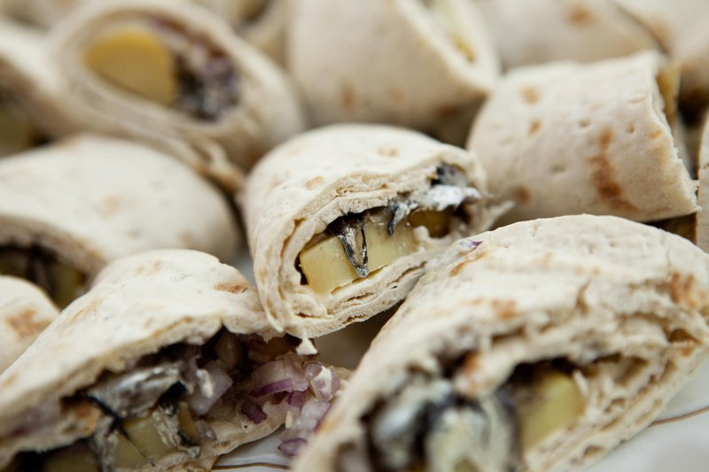 Fermented herring wrap