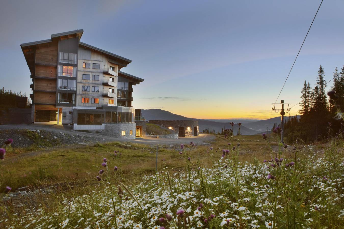 Summer night at Copperhill Mountain Lodge, Åre